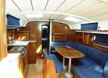 Rent a sailboat in Carloforte - Oceanis 411