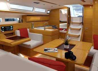 Rent a sailboat in Marina di Procida - Sun Odyssey 479