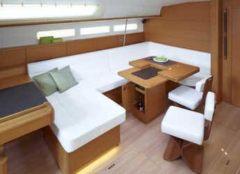 Rent a sailboat in Marina di Procida - Sun Odyssey 519