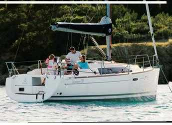 Rent a sailboat in Marina di Procida - Oceanis 31