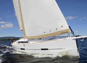 Rent a sailboat in Marina di Portisco - Dufour 412