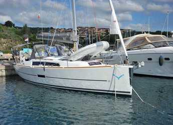Chartern Sie segelboot in Marina di Portisco - Dufour 350