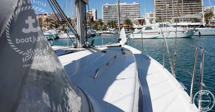 Rent a sailboat in Club Naútico de Sant Antoni de Pormany - Hanse 415