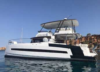 Rent a power catamaran  in Club Náutico Ibiza - Bali 4.3 MY