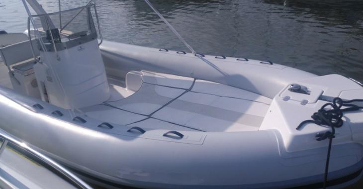 Rent a dinghy in Es Portitxol - Capelli Tempest 750 top
