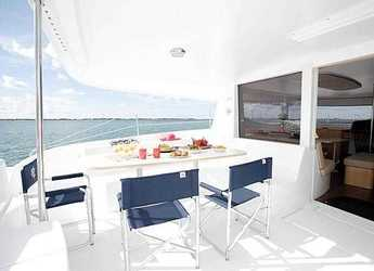 Rent a catamaran in Port Tino Rossi - Salina 48