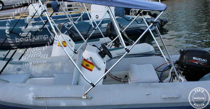 Rent a dinghy in Port Mahon - Astec 420