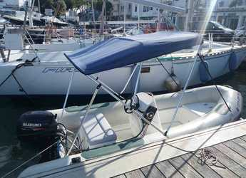 Rent a motorboat in Port Mahon - Astec 420