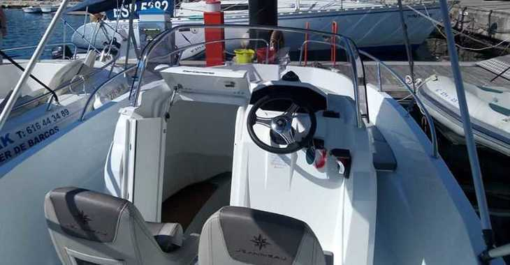 Rent a motorboat in Port Mahon - Cap Camarat 5.50