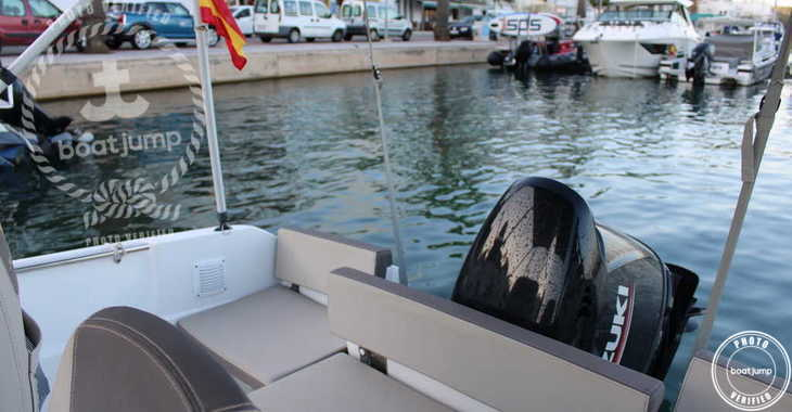 Rent a motorboat in Port Mahon - Cap Camarat 5.50