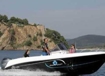 Rent a motorboat in Club de Mar - Pacific Craft 670 Open