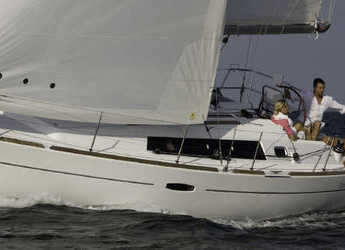Rent a sailboat in Ece Marina - Oceanis 34