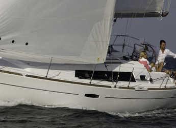 Chartern Sie segelboot in Ece Marina - Oceanis 34