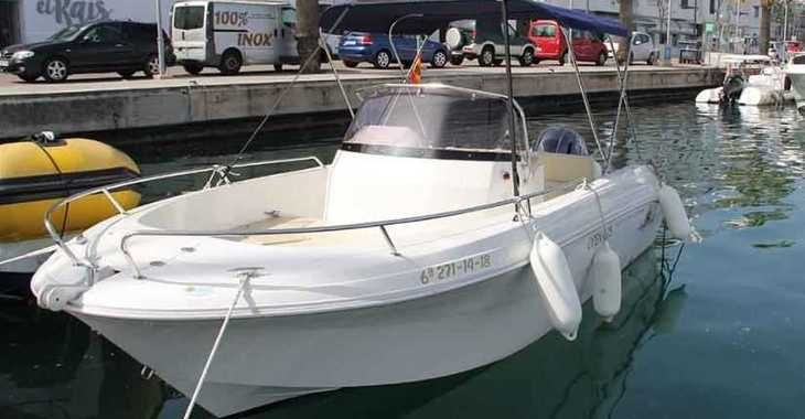 Rent a motorboat in Port Mahon - Pacific Craft 625 Open
