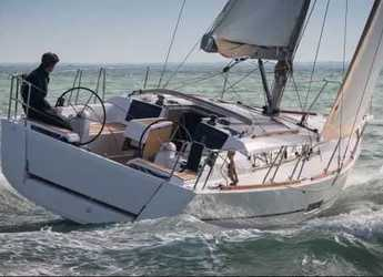Rent a sailboat in Marina Gouvia - Dufour 350