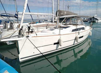 Rent a sailboat in Salerno - Dufour 382 GL