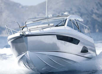 Rent a motorboat in Veruda - Sealine S330