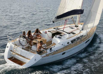 Rent a sailboat in Marina di Nettuno - Sun Odyssey 49i