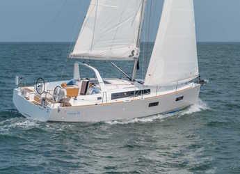 Rent a sailboat in Marina Port de Mallorca - Oceanis 38.1