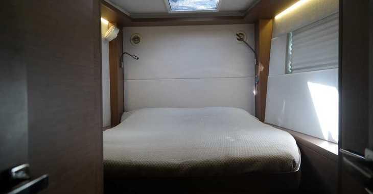 Rent a catamaran in Paroikia - Lagoon 50