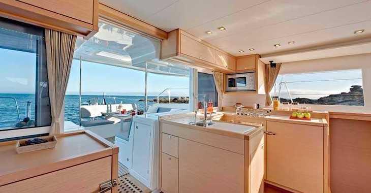 Rent a catamaran in Mykonos - Lagoon 450 F