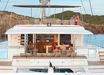 Rent a catamaran in Milos - Lagoon 56