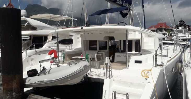 Rent a catamaran in Milos - Lagoon 52