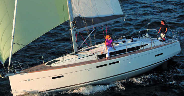 Rent a sailboat in Paros - Sun Odyssey 419