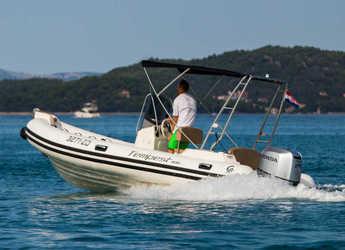 Rent a motorboat in Marina Sukosan (D-Marin Dalmacija) - TEMPEST 600 + Honda 115