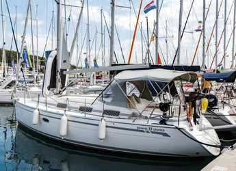 Rent a sailboat in Split (ACI Marina) - Bavaria 33 Cruiser