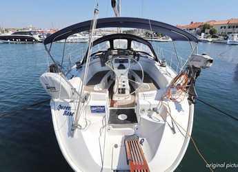Rent a sailboat in ACI Jezera - Bavaria 38