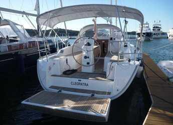 Rent a sailboat in Marina Mandalina - Bavaria Cruiser 33