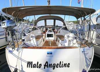 Rent a sailboat in Veruda - Bavaria Cruiser 37 - 3 cab.