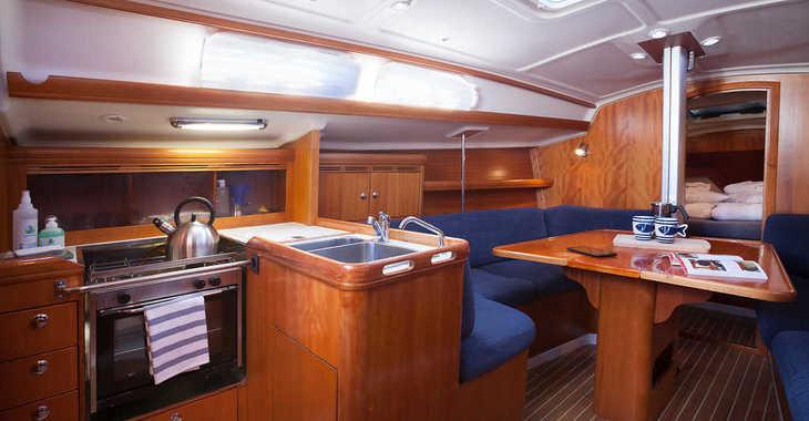 Rent a sailboat in Marina Kastela - Elan 333