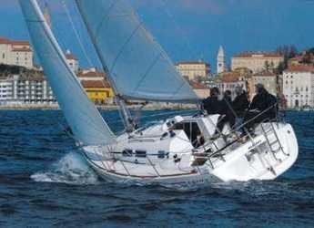 Chartern Sie segelboot in Marina Betina - Elan 31