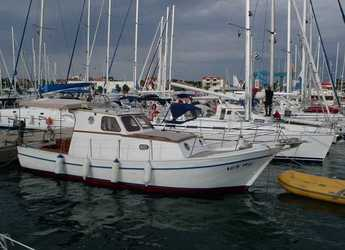 Rent a motorboat in Marina Betina - Franka