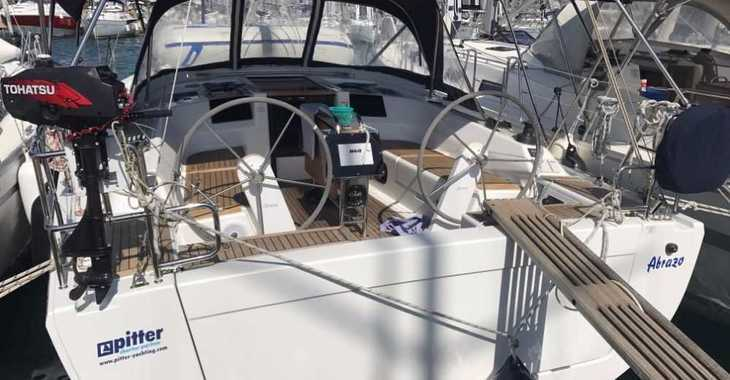 Rent a sailboat in Marine Pirovac - Hanse 385