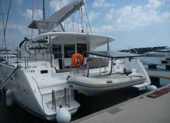 Rent a catamaran in Marina Mandalina - Lagoon 400 S2 - 4 + 2 cab.