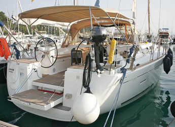 Rent a sailboat in Göcek - Dufour 445 GL - 4 cab.