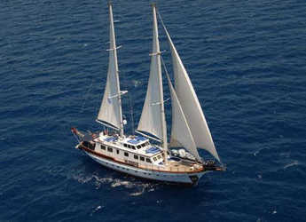 Rent a schooner in Club Marina - Gulet S&R