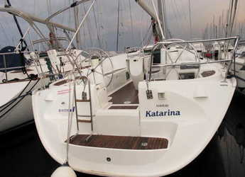 Rent a sailboat in Veruda - Sun Odyssey 43