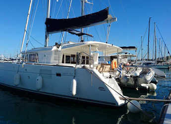 Rent a catamaran in Harbour View Marina - Lagoon 450 F - 4 cab.