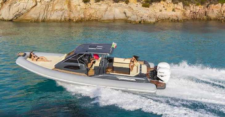 Rent a motorboat in Marina Sukosan (D-Marin Dalmacija) - CLUBMAN 28 + Mercury 500