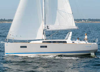 Rent a sailboat in Veruda - Oceanis 38