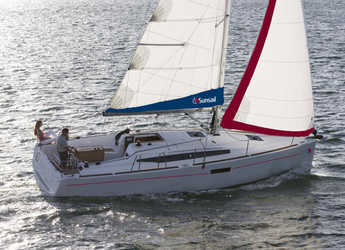 Rent a sailboat in Agana Marina - Sunsail 34