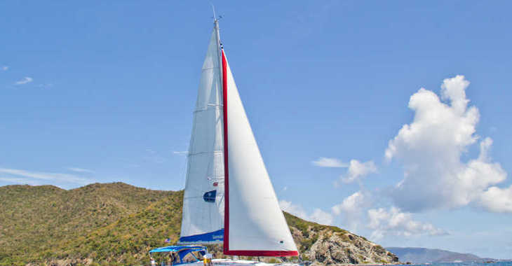 Rent a sailboat in Lefkas Nidri - Sunsail 47 (Premium)