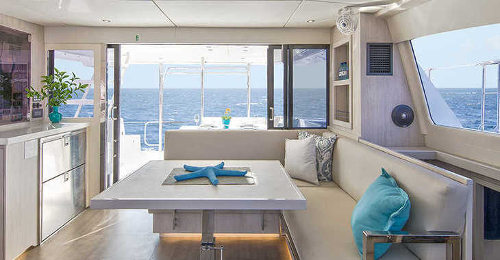 Rent a power catamaran  in Paradise harbour club marina - Moorings 433 PC (Exclusive Plus)