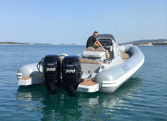 Rent a motorboat in Yacht kikötő - Tribunj - Sacs Strider 10