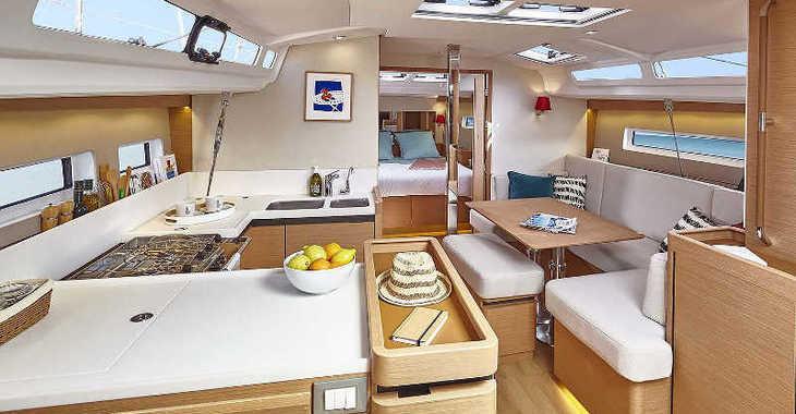 Rent a sailboat in Paros - Sun Odyssey 440
