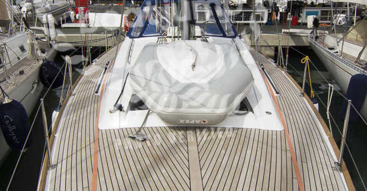 Rent a sailboat in Puerto Deportivo Radazul - Oceanis 45